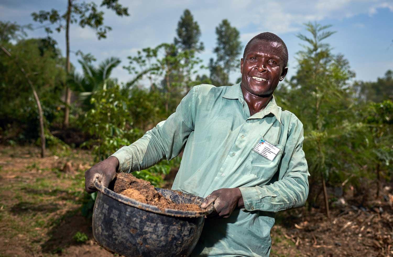 klimaschutzprojekt-kenia-mann